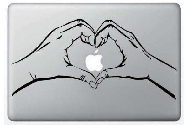 autocollant-main-love-pour-macbook (1)